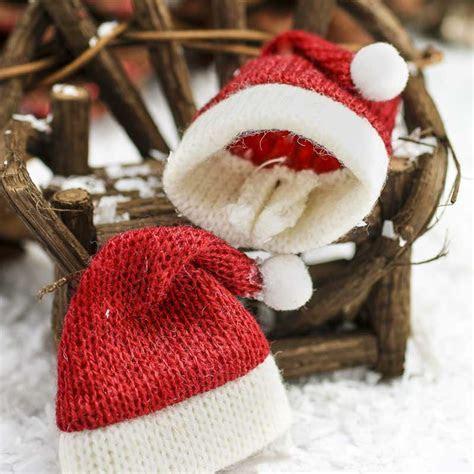 Miniature Knitted Santa Hats   Christmas Miniatures