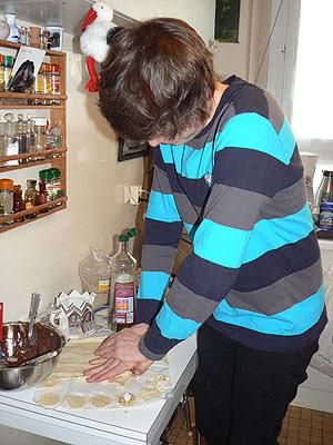 clem prépare les tarteletets.jpg