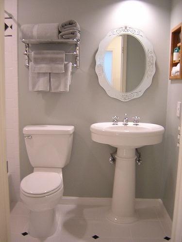 Bathroom decor ideas vintage jadeite green bradley for Bathroom clock ideas