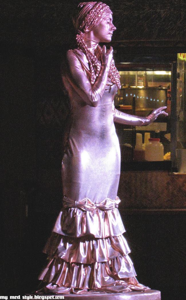 Disney Downtown8 statue