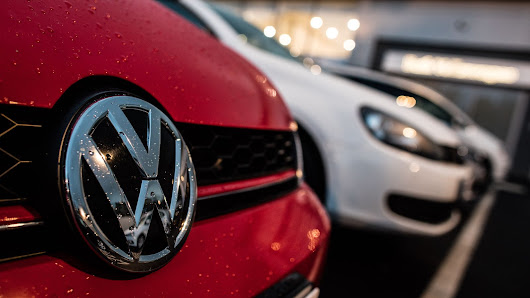 Volkswagen apologizes for emissions scandal with full-page ad in dozens of papers