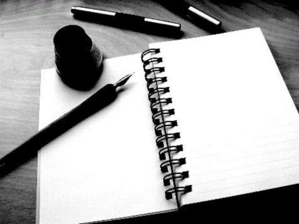 Minhas história escritas em pedaço de papel