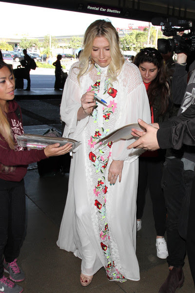 Kesha Arrives at LAX