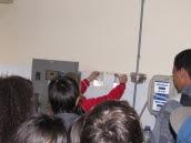 Jovens aprendem sobre o abastecimento de água do município.