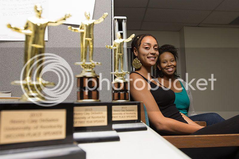 photo debatewomen.jpg