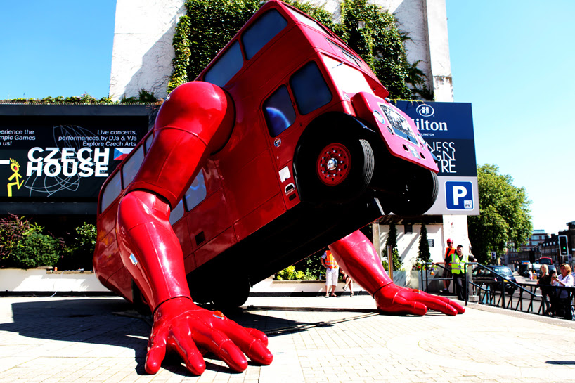 push-up performing routemaster - london booster by david cerny