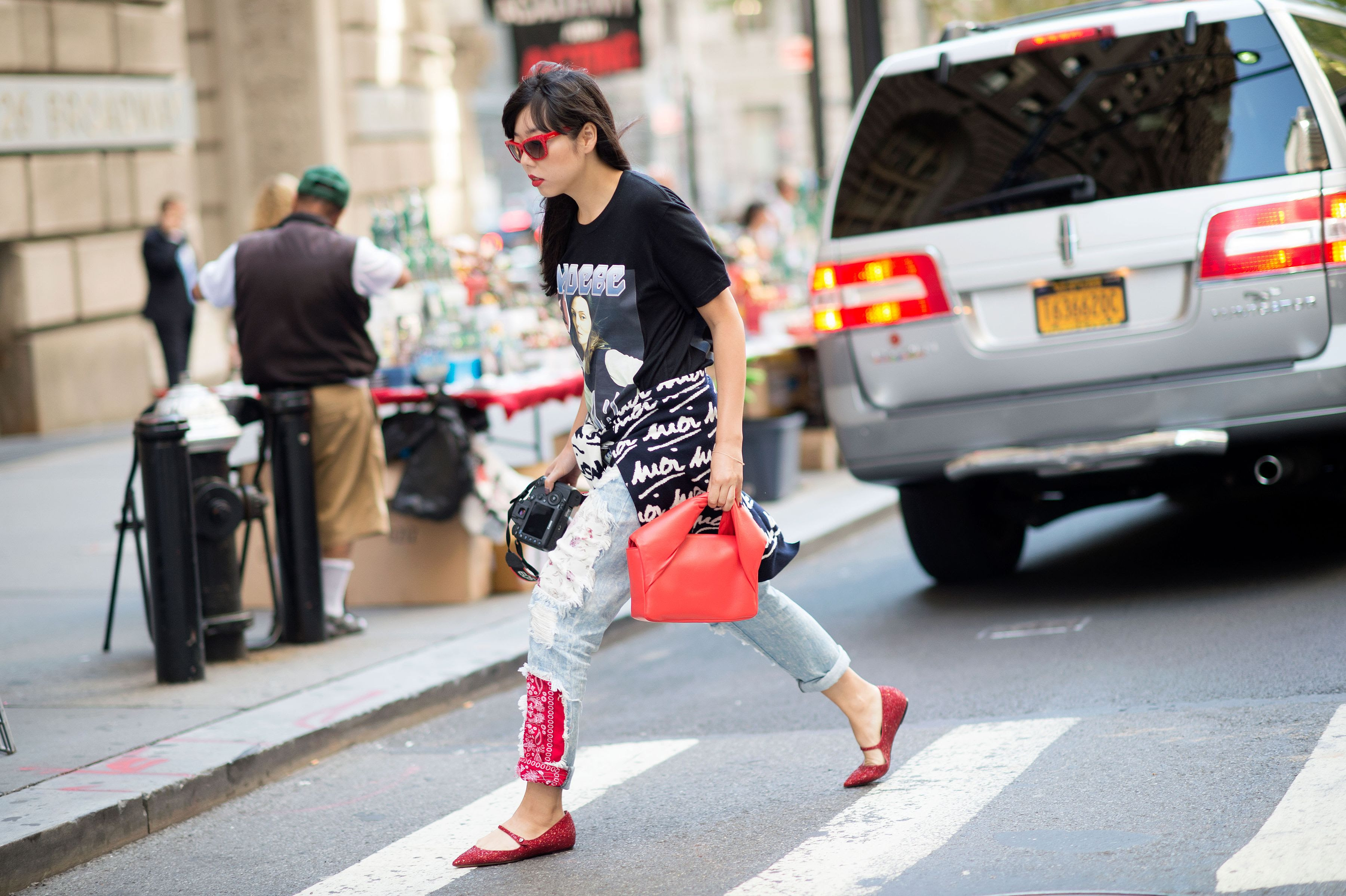 http://pixel.nymag.com/imgs/thecut/slideshows/2014/9/street-style-0907/street-style-07.nocrop.w1800.h1330.2x.jpg