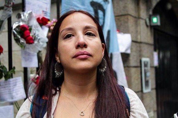 La hija de Hernando Calvo Ospina en el homenaje a Fidel en Argentina.