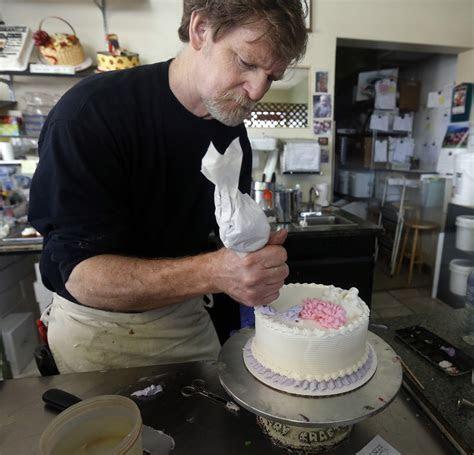 Christian Baker Loses Court Case on Same Sex Wedding Cake