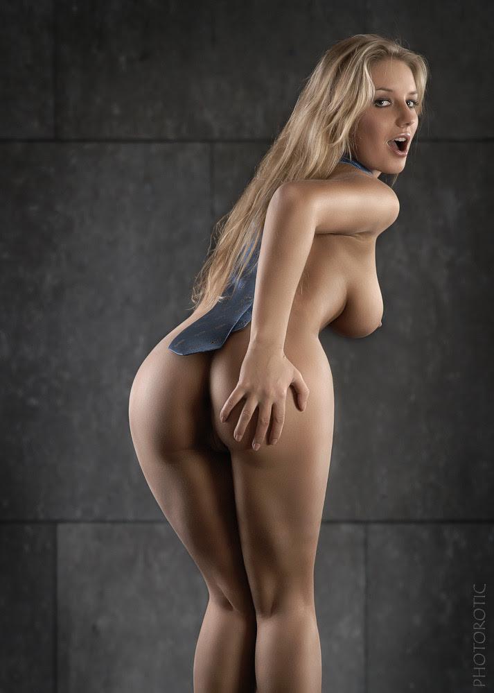 eroticwitch: Fotógrafo: Ulrich W o Photorotic,