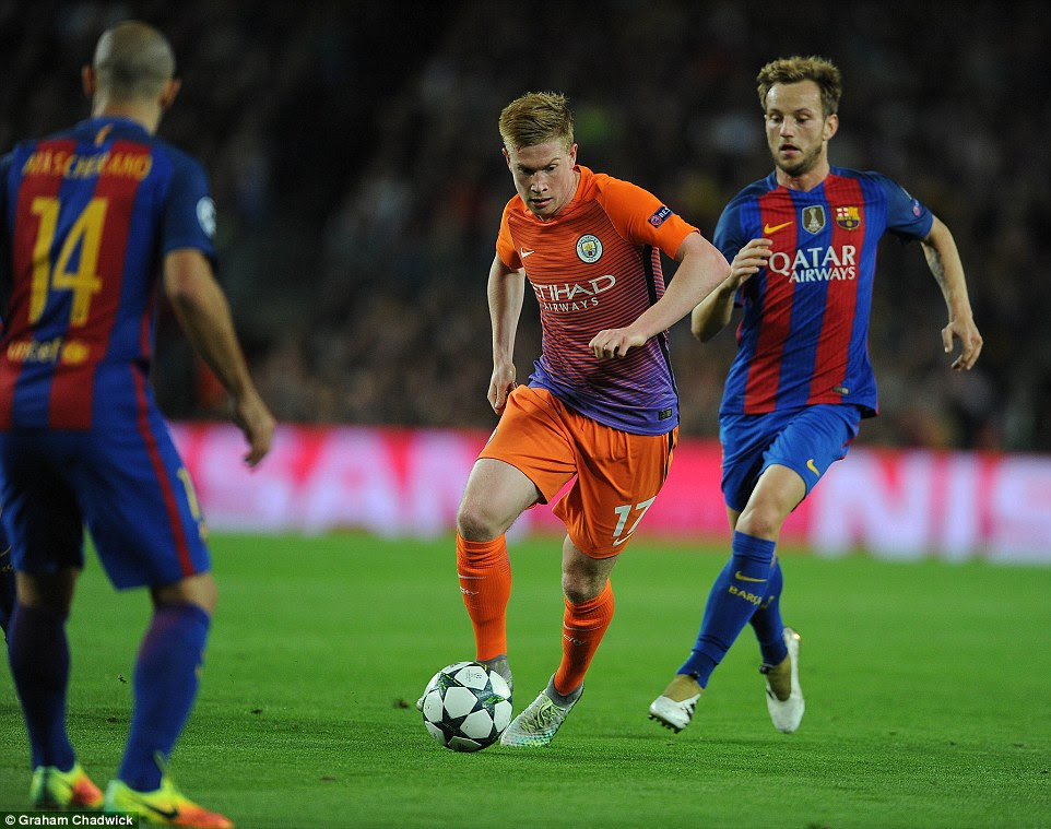 Kevin De Bruyne runs at the Barcelona defence as the English outfit go on the attack during Wednesday's encounter