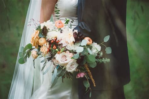 How Much Do Wedding Flowers Cost?: A Florist's Guide for