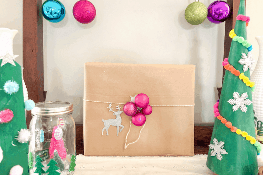 6 Insanely Easy Christmas Gift Wrapping Ideas