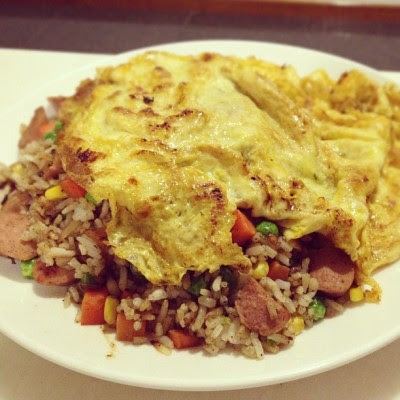 A different style but, it's still fried rice. 😍 #homemade #cookforfamily (Taken with Instagram)