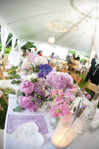 Check out SMP for more pics from this beautiful garden themed wedding