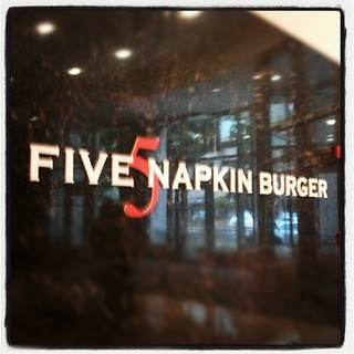 #lunch #5napkinburger #burgers #yumo #boston #sodelicious