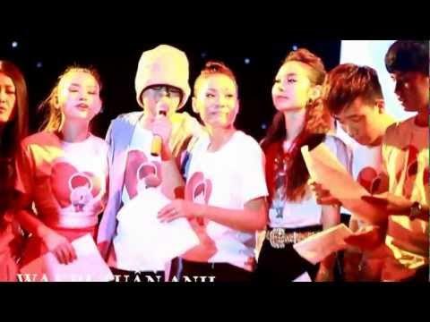 WanBi rơi nước mắt khi hát Cảm Ơn cùng đồng nghiệp