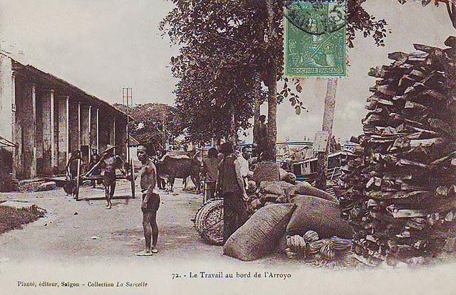 SAIGON  - LE TRAVAIL AU BORD DE L´ARROYO