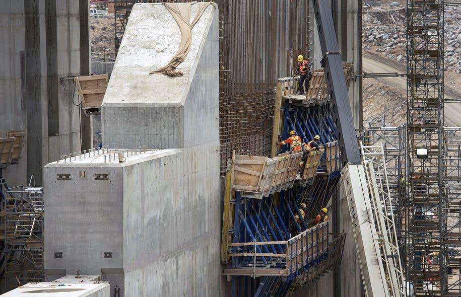 Le projet de Muskrat Falls, sur la rivière Churchill à Terre-Neuve, est en construction.