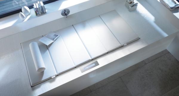Duravit- White massage space inset window