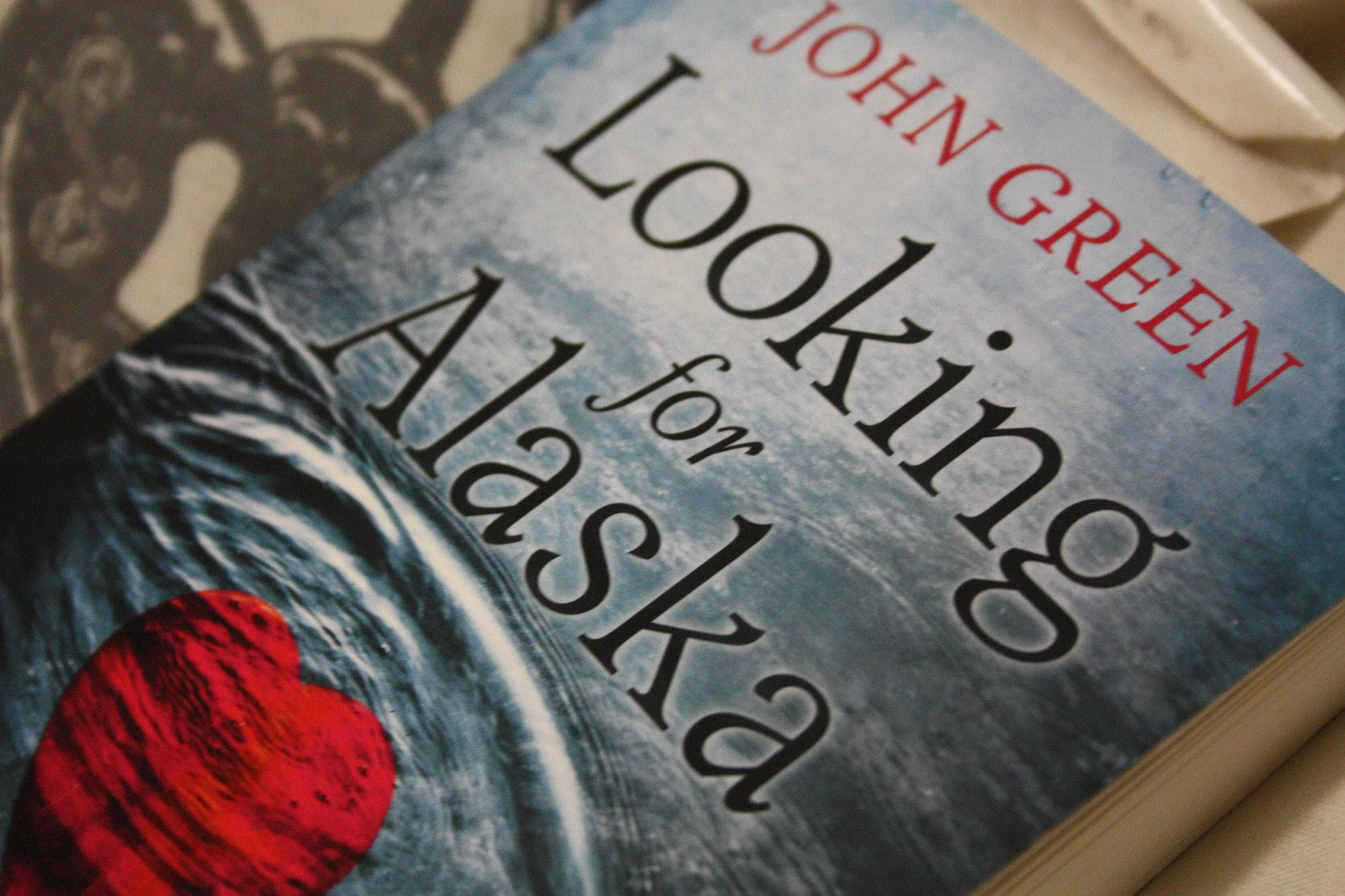 Looking for Alaska by John Green book review on Blogger's Bookshelf