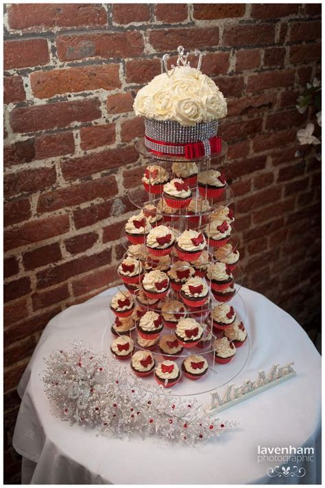 Cupcakes instead of wedding cake   idea in 2017   Bella