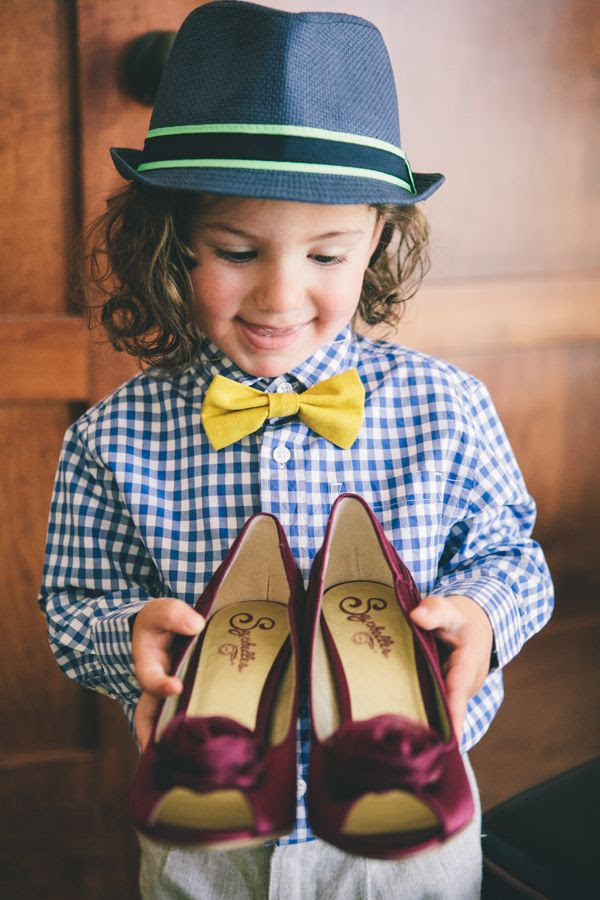 adorable page boy, love his outfit for a summer wedding, as well as the photo idea