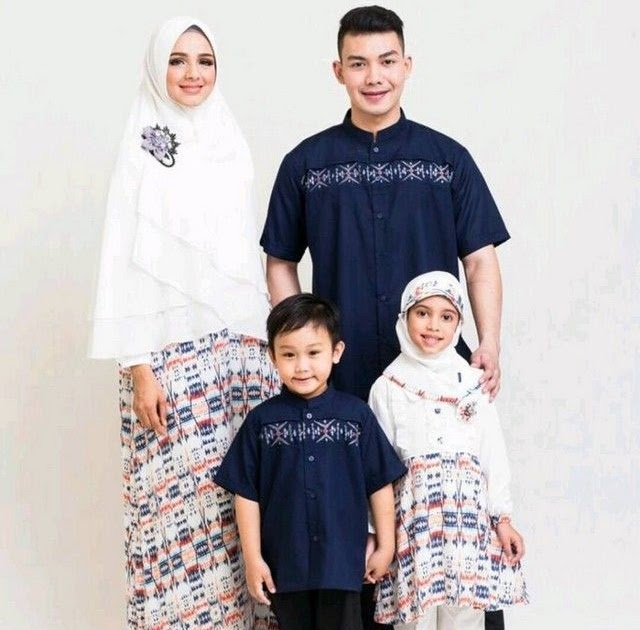 Model Baju Couple Keluarga 2019  c015b45a36