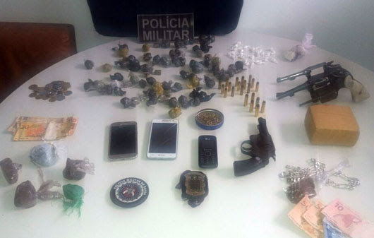 Material apreendido durante a operação | Foto: Divulgação/ PM