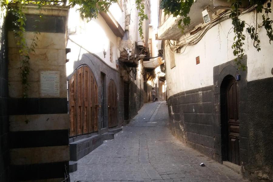 Tras siete años y medio de crisis y aunque cuesta arriba, Siria sale del laberinto. Escena de la Ciudad Vieja de Damasco (Foto: Pablo Sapag M.)
