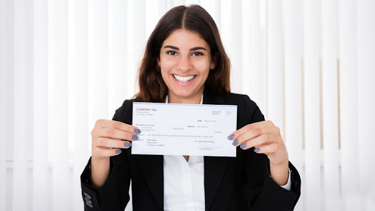 4 Smart Things You Should Do With Your First Real Paycheck
