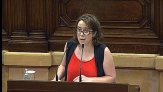 La diputada de la CUP, Eulàlia Reguant, defensant l'esmena a la totalitat al ple de Parlament
