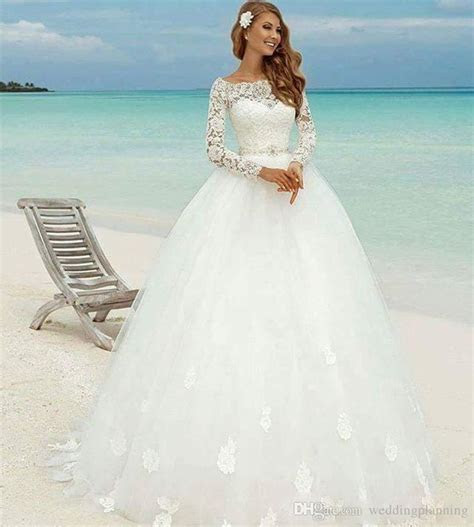 Discount 2017 Winter Long Sleeve Beach Wedding Dresses