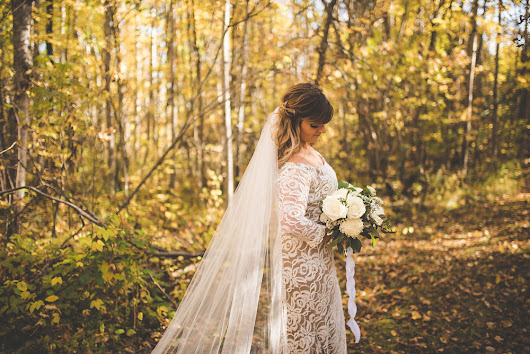Maureen and Pat's All-White Autumn Wedding in Gimli