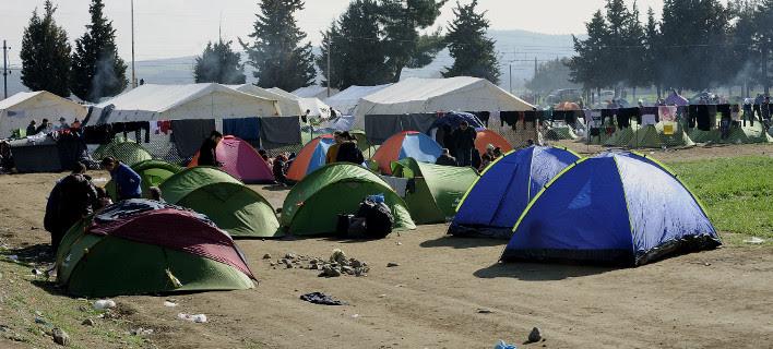 Χαοτικές σκηνές στην Ειδομένη -Δεν πέρασε ούτε ένας πρόσφυγας σήμερα στην ΠΓΔΜ
