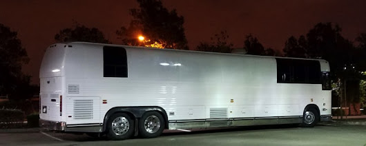 Seattle Entertainer Coach 12 Bunk Late Model XL Prevost Leasing