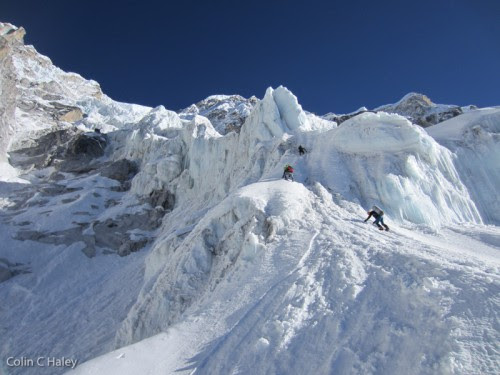 Ueli, Ben and Hélias starting up the south face of Nuptse for our attempt.