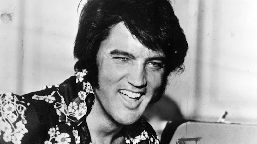 Pound dog: Elvis still earning a fortune 40 years after his death - BBC News