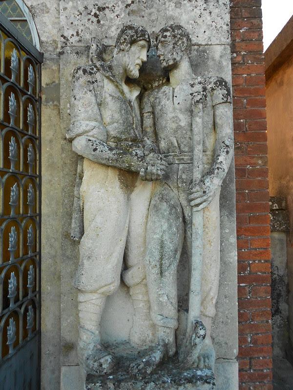 dettaglio destra tomba vittime 44, Virgilio Milani,  Villamarzana