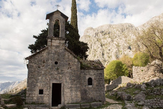 Balkan Travel - 25 Best Things to do in Montenegro - Anita Hendrieka