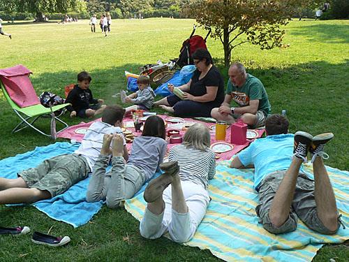 déjeuner sur l'herbe.jpg