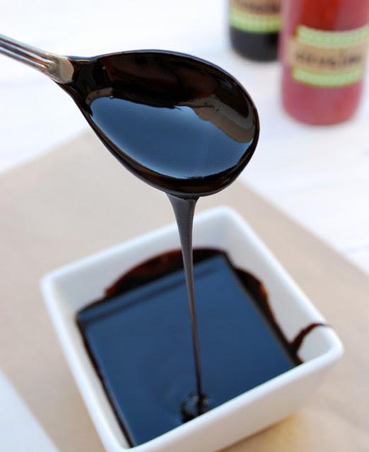 chocolate syrup 01 640