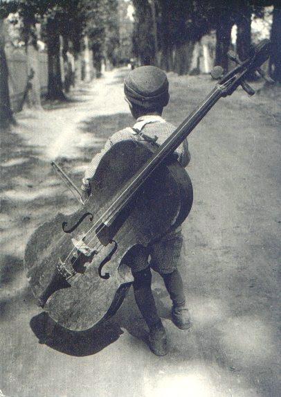 bambino musicista, violoncello,