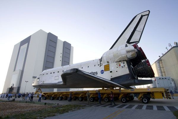 Space shuttle Endeavour approaches the VAB at Kennedy Space Center in Florida on February 28, 2011.