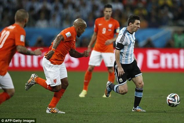 REZUMAT VIDEO GOLURI Argentina Olanda 2014 Cupa Mondiala semifinala penaltiuri prelungiri YOUTUBE Messi Robben