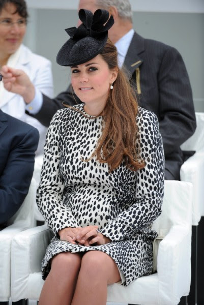 Kate Middleton In Labor, Royal Baby Will Be Born Today! | Celeb Dirty Laundry