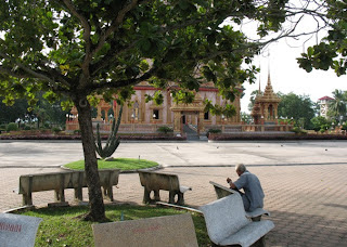 Old dude at Wat Chalong