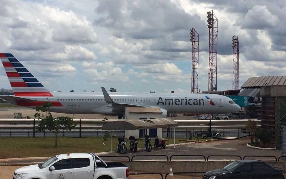Resultado de imagem para pouso não programado american airlines