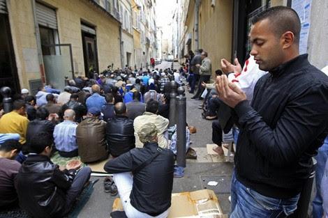 أربعة ملايين مسلم في فرنسا يشكلون ثاني ديانة في البلاد