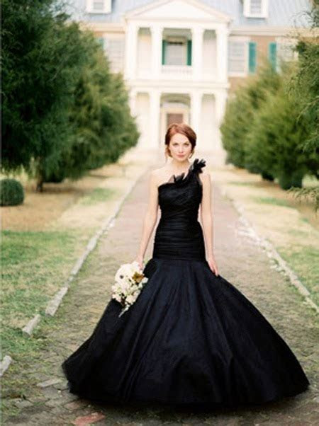 daily mix LA: atypical wedding dress(es)